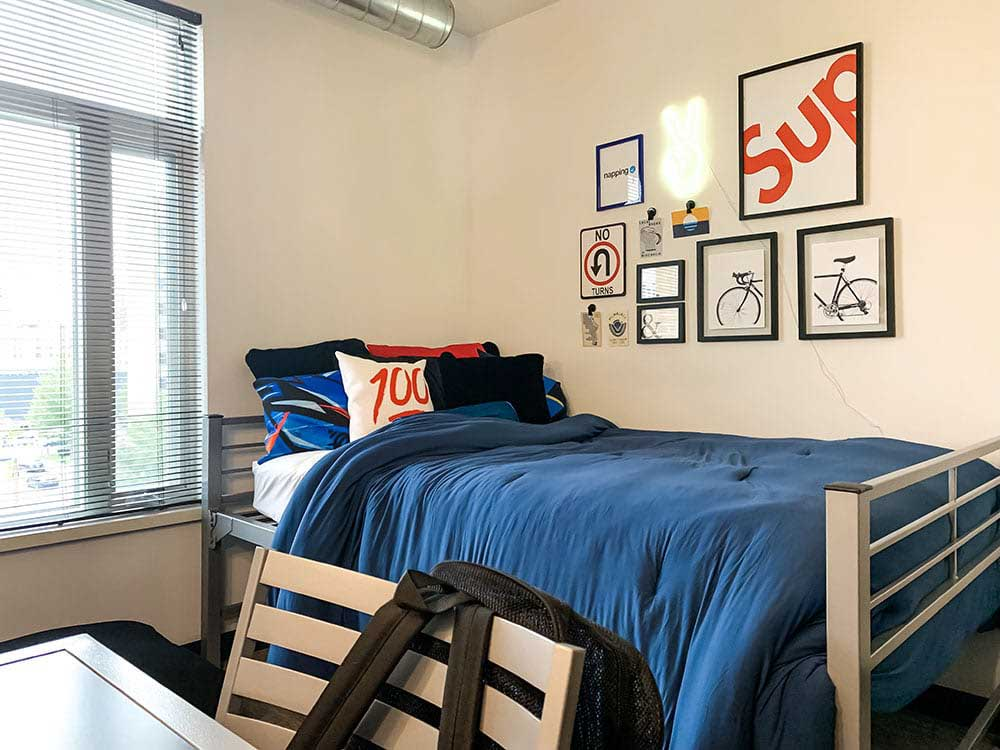Lark-On-14th-Milwaukee-WI-Bedroom-Unilodgers