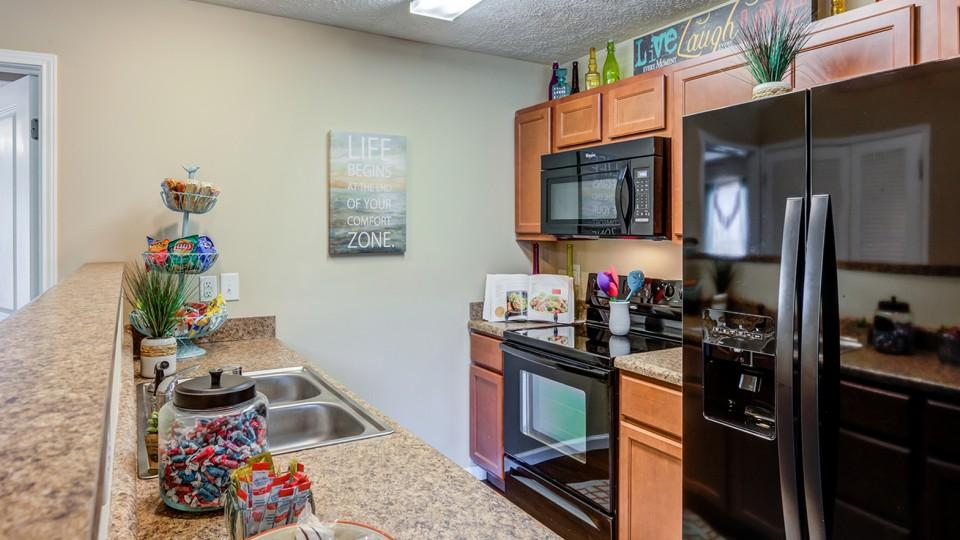 The-Social-Campus-Starkville-MS-Kitchen-Area-Unilodgers