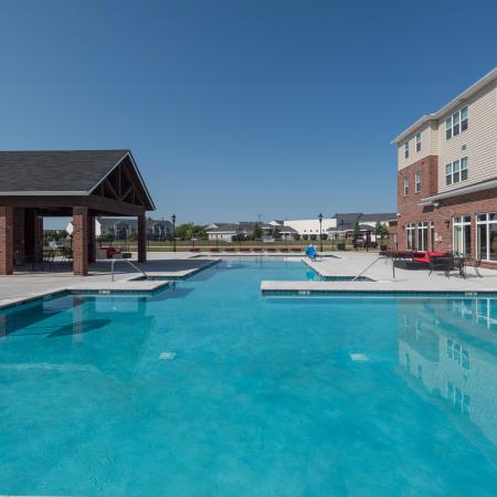 The-Reserve-Mount-Pleasant-MI-Swimming-Pool-Unilodgers