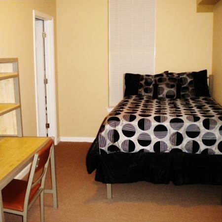 The-Lofts-Morgantown-WV-Bedroom-Unilodgers