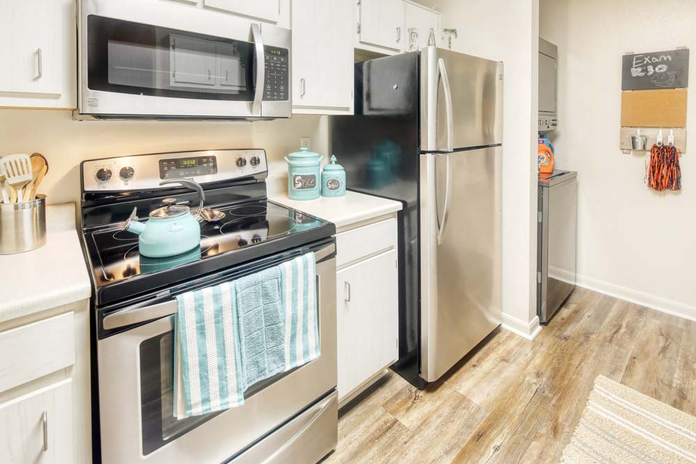Cavalier-Crossing-Chalottesville-Virginia-Kitchen-Unilodgers