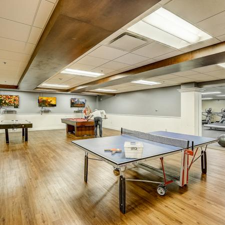 Towers-on-State-Madison-WI-Games-Room-Unilodgers