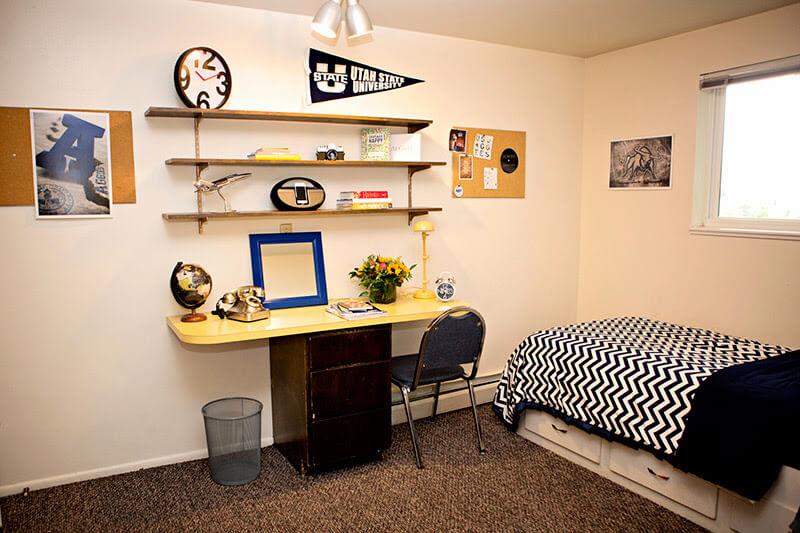 Alpine-Flats-Logan-UT-Bedroom1-Unilodgers