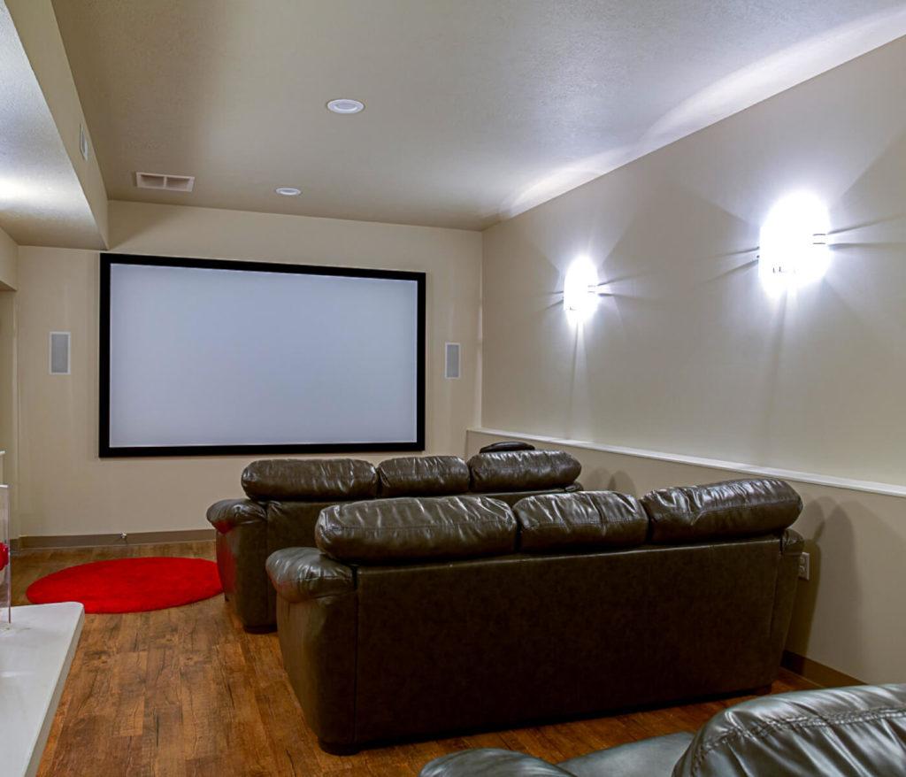 Alpine-Flats-Logan-UT-Movie-Room-Unilodgers