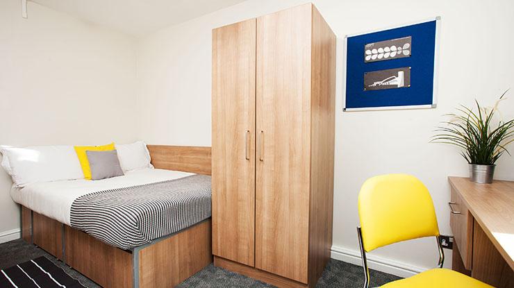 Sunlight-Apartments-London-Bedroom-Area-Unilodgers