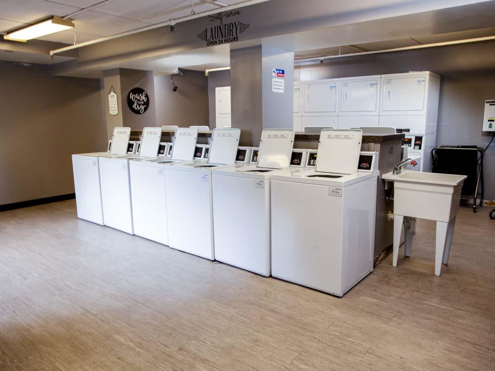 1575357360_Auden-Ithaca-NY-Laundry-Area-Unilodgers