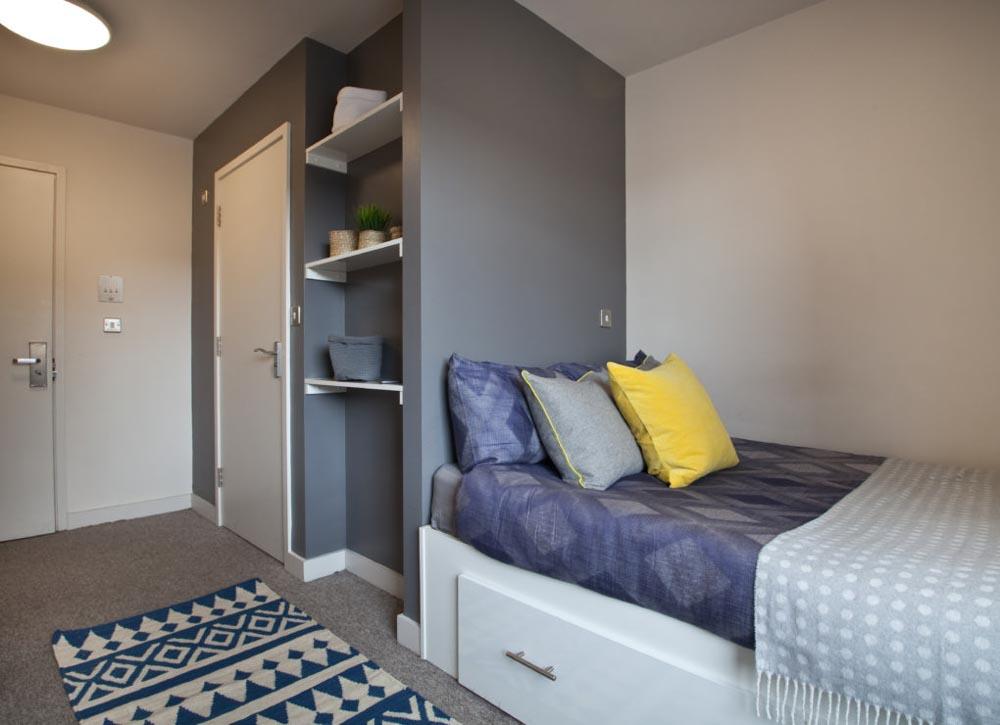 Alwyn-Court-Cardiff-Bedroom-Unilodgers