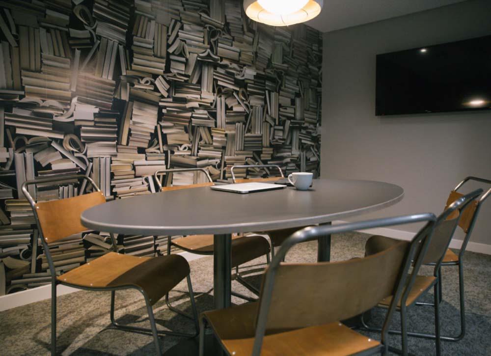 Alwyn-Court-Cardiff-Study-Lounge-Unilodgers