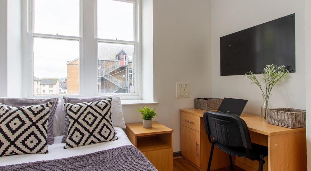 Alexandra-Hall-Aberystwyth-Bedroom-Unilodgers