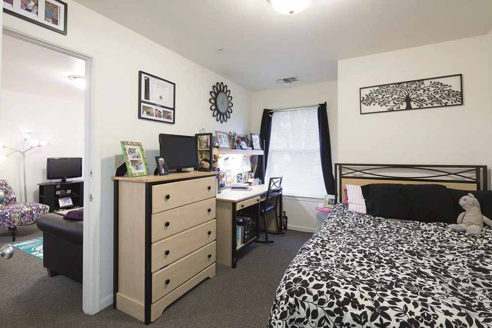 University-Park-At-Salisbury-MD-Bedroom-Unilodgers