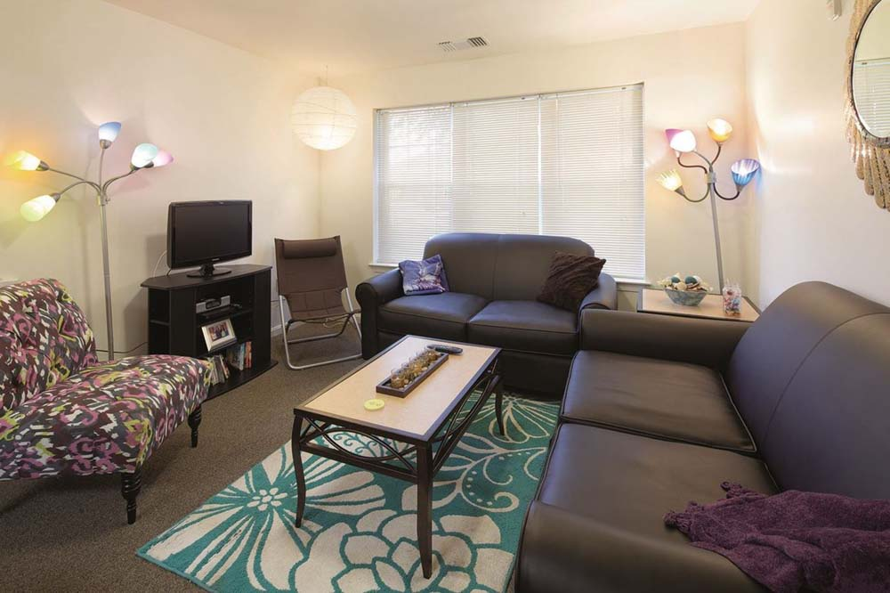 University-Park-At-Salisbury-MD-Living-Area-Unilodgers