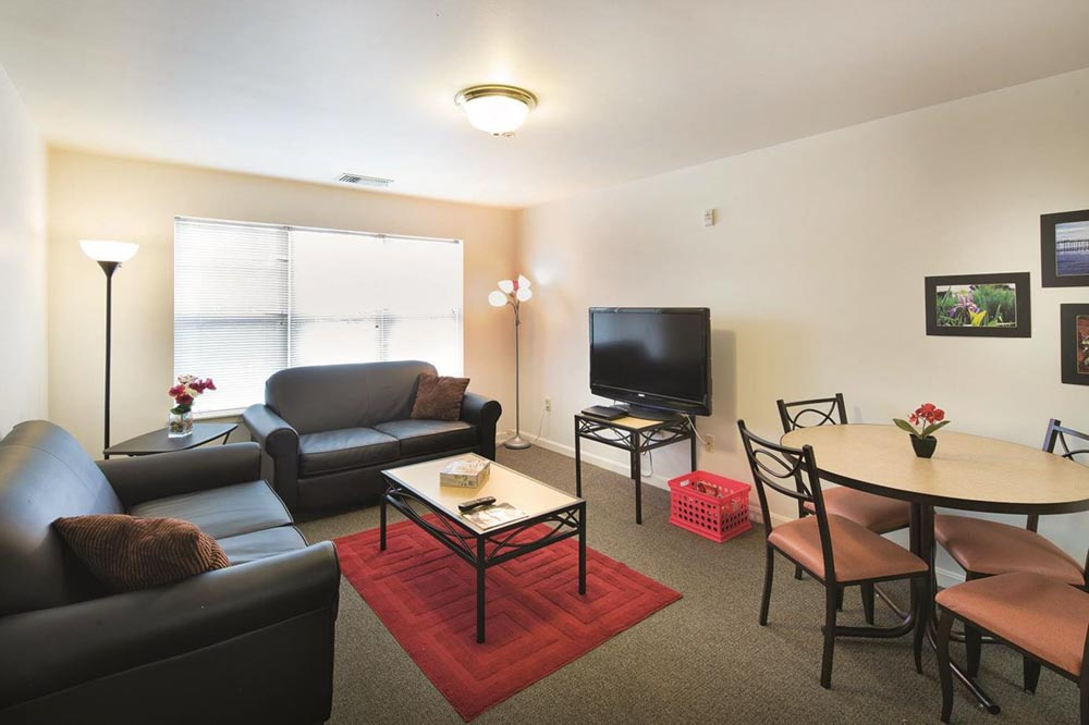 University-Park-At-Salisbury-MD-Living-Area-With-Dining-Unilodgers