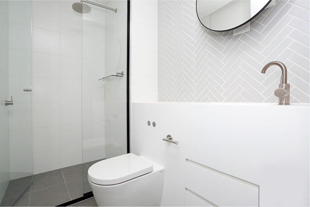 4306-135-A'Beckett-Street-Bathroom-Unilodgers