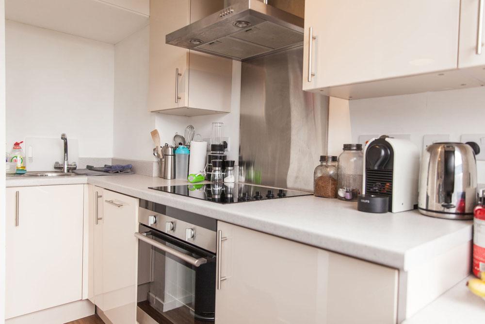 Holly-Court-Bristol-Kitchen-Unilodgers