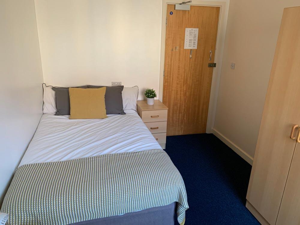 Phoenix-Court-Sheffield-Bedroom-Unilodgers