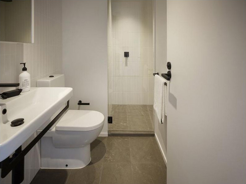 Swanston-Street-Carlton-Student-Accommodation-Melbourne-Bathroom-Unilodgers