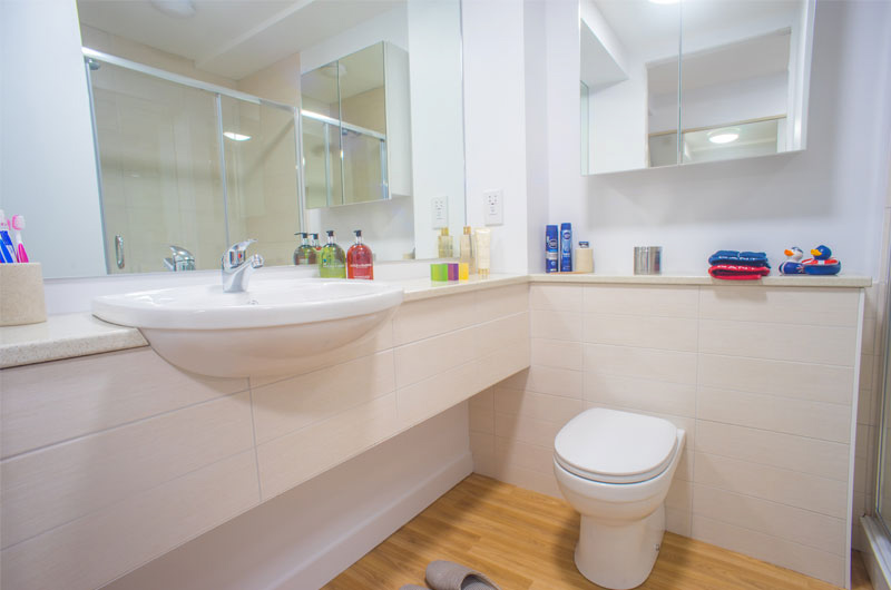 Middle-Street-Portsmouth-En-Suite-2-Bathroom-Unilodgers