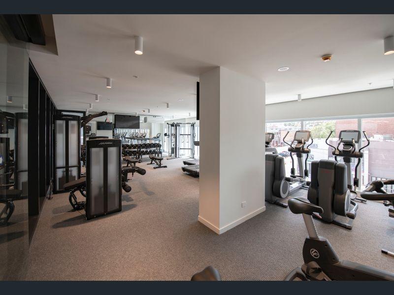 1809-377-Spencer-Street-Melbourne-Student-Accommodation-Melbourne-Gym-Unilodgers
