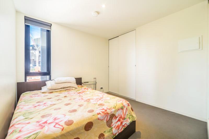 304-253-Franklin-Street-Melbourne-Student-Accommodation-Melbourne-Bedroom-1-Unilodgers