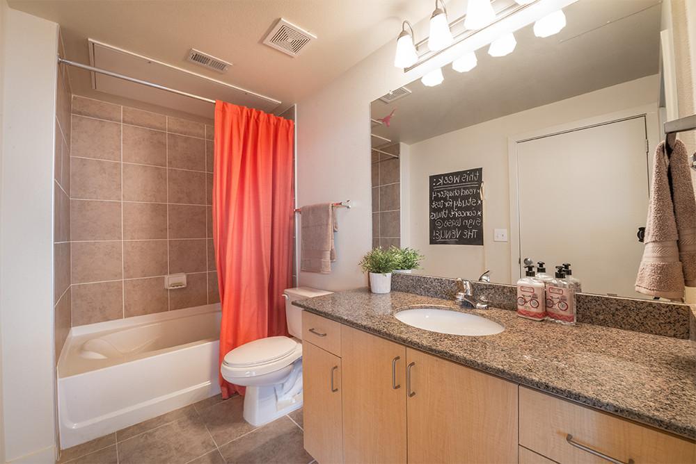 The-Venue-On-Guadalupe-Austin-TX-Bathroom-Unilodgers