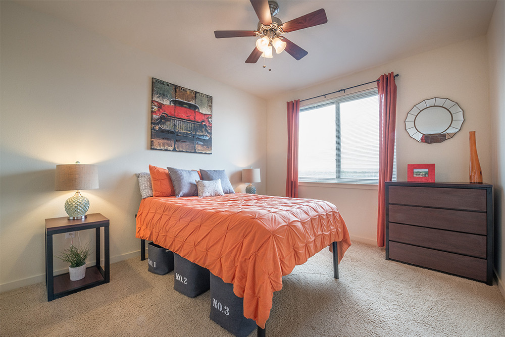The-Venue-On-Guadalupe-Austin-TX-Bedroom-Unilodgers