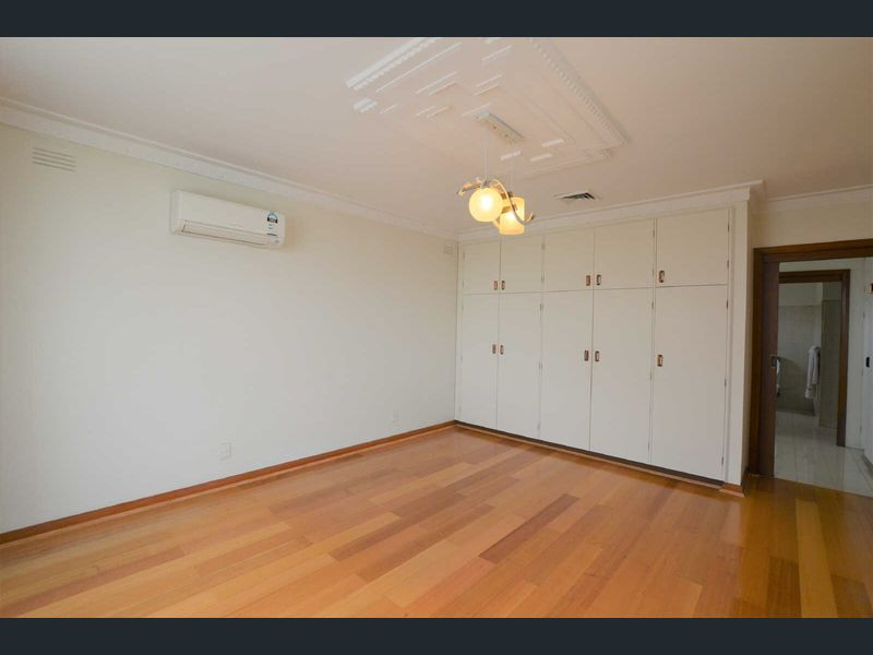 5-Longstaff-Street-Carnegie-Student-Accommodation-Melbourne-Bedroom-Unilodgers