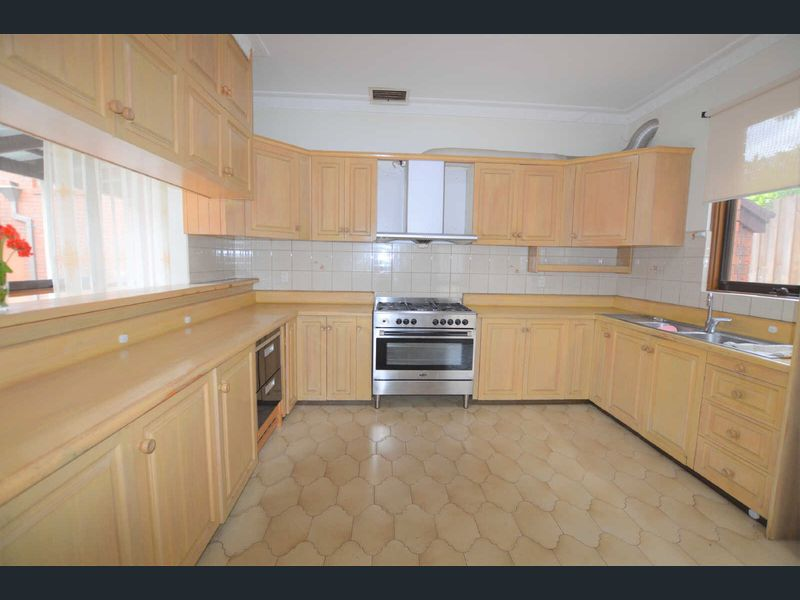 5-Longstaff-Street-Carnegie-Student-Accommodation-Melbourne-Kitchen-Unilodgers