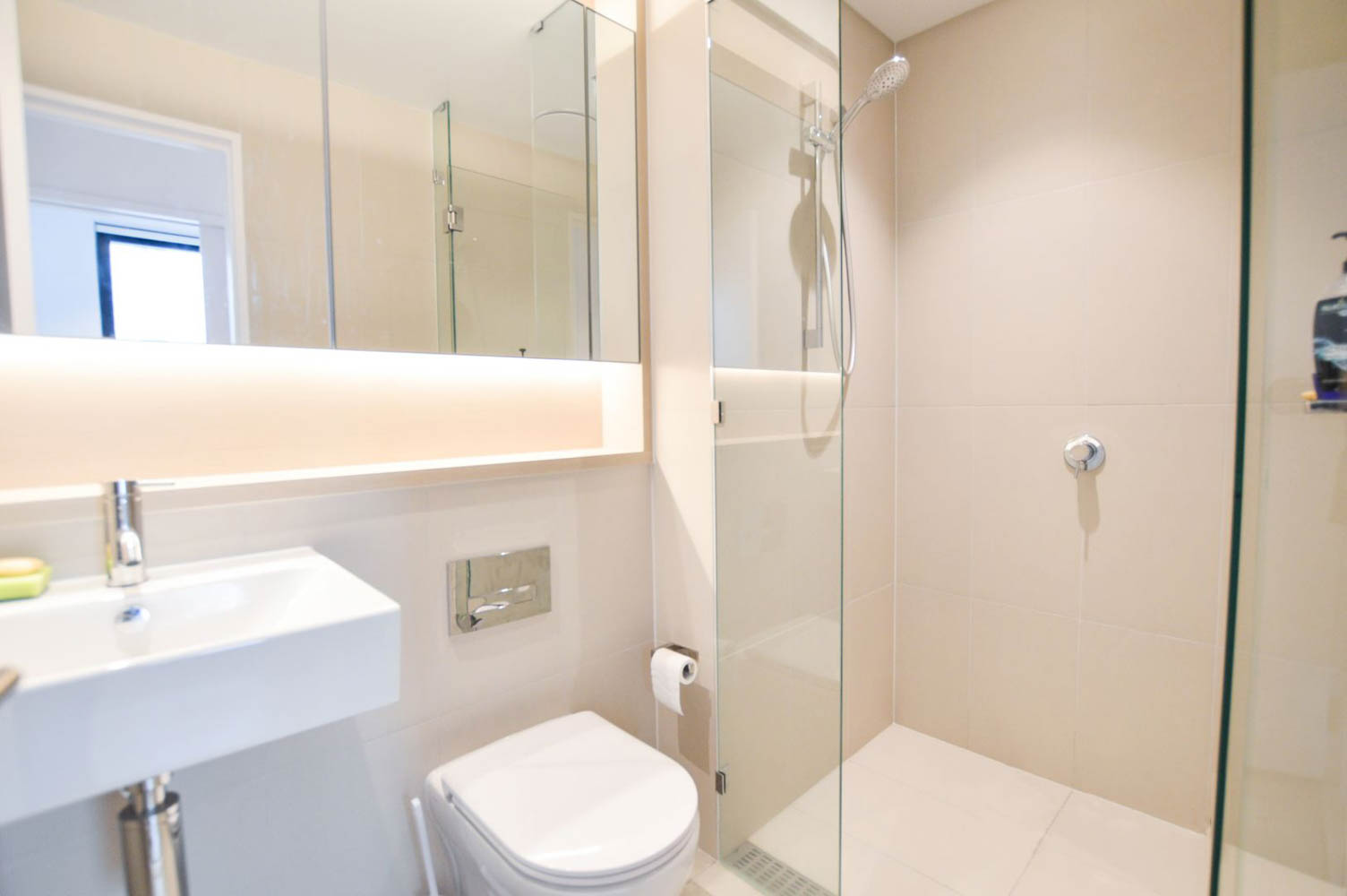 212-915-Collins-Street-Melbourne-Student-Accommodation-Melbourne-Bathroom-Unilodgers