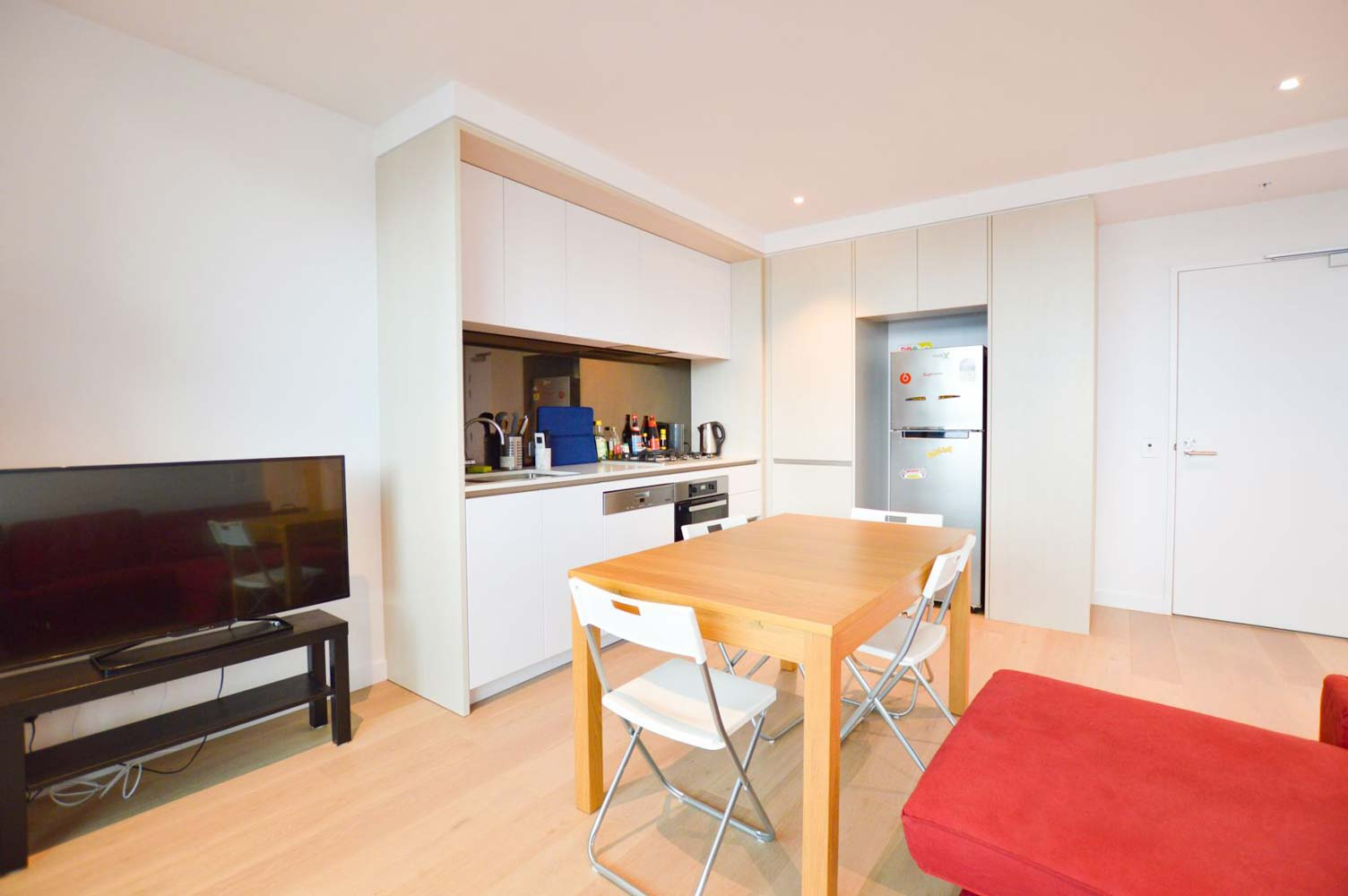 212-915-Collins-Street-Melbourne-Student-Accommodation-Melbourne-Common-Area-Unilodgers