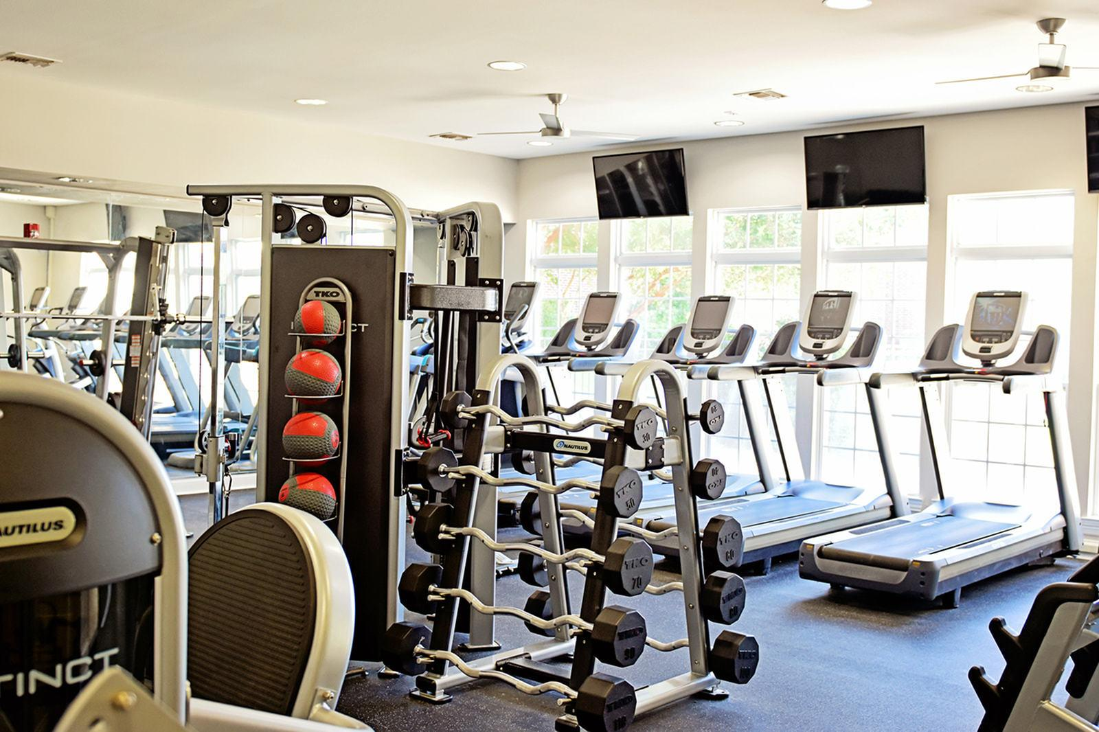 The-Overlook-At-Nacogdoches-TX-Fitness-Center-2-Unilodgers