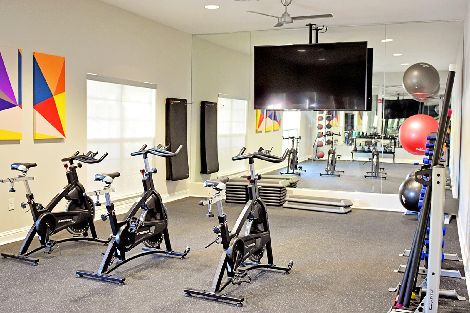The-Overlook-At-Nacogdoches-TX-Fitness-Center-Unilodgers