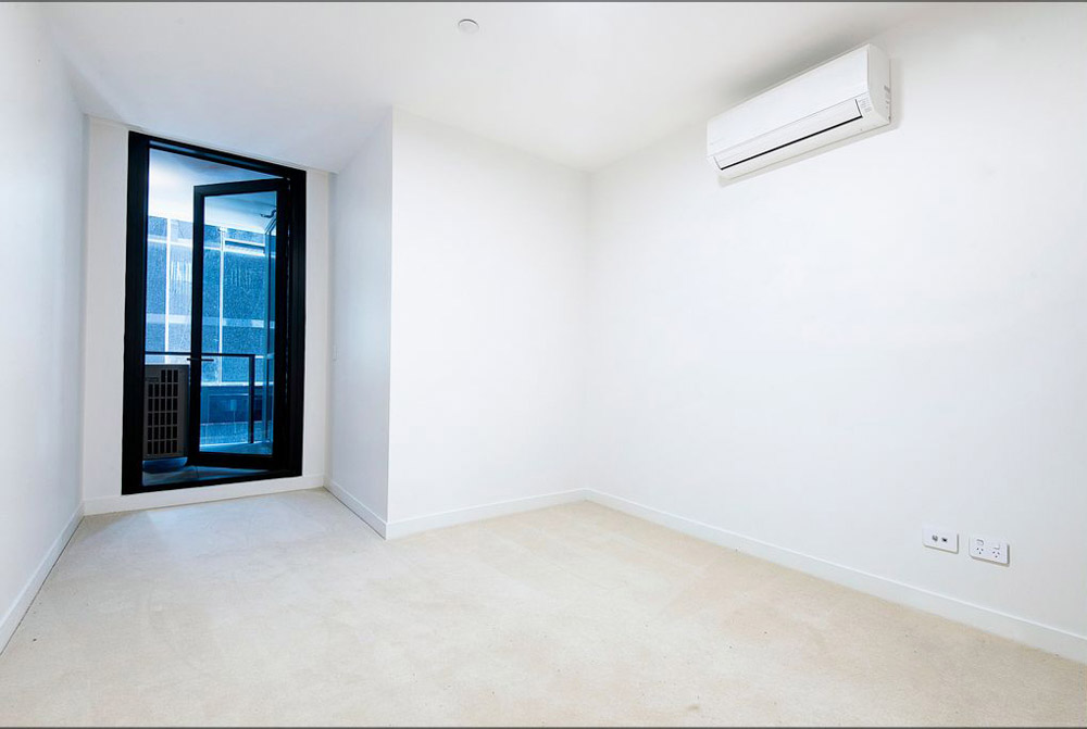 601-12-Queens-Road-Melbourne-Student-Accommodation-Melbourne-Bedroom-1-Unilodgers