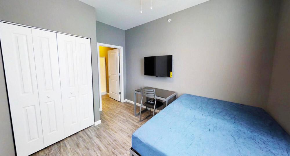 809-W-Nevada-Urbana-IL-Bedroom-1-Unilodgers