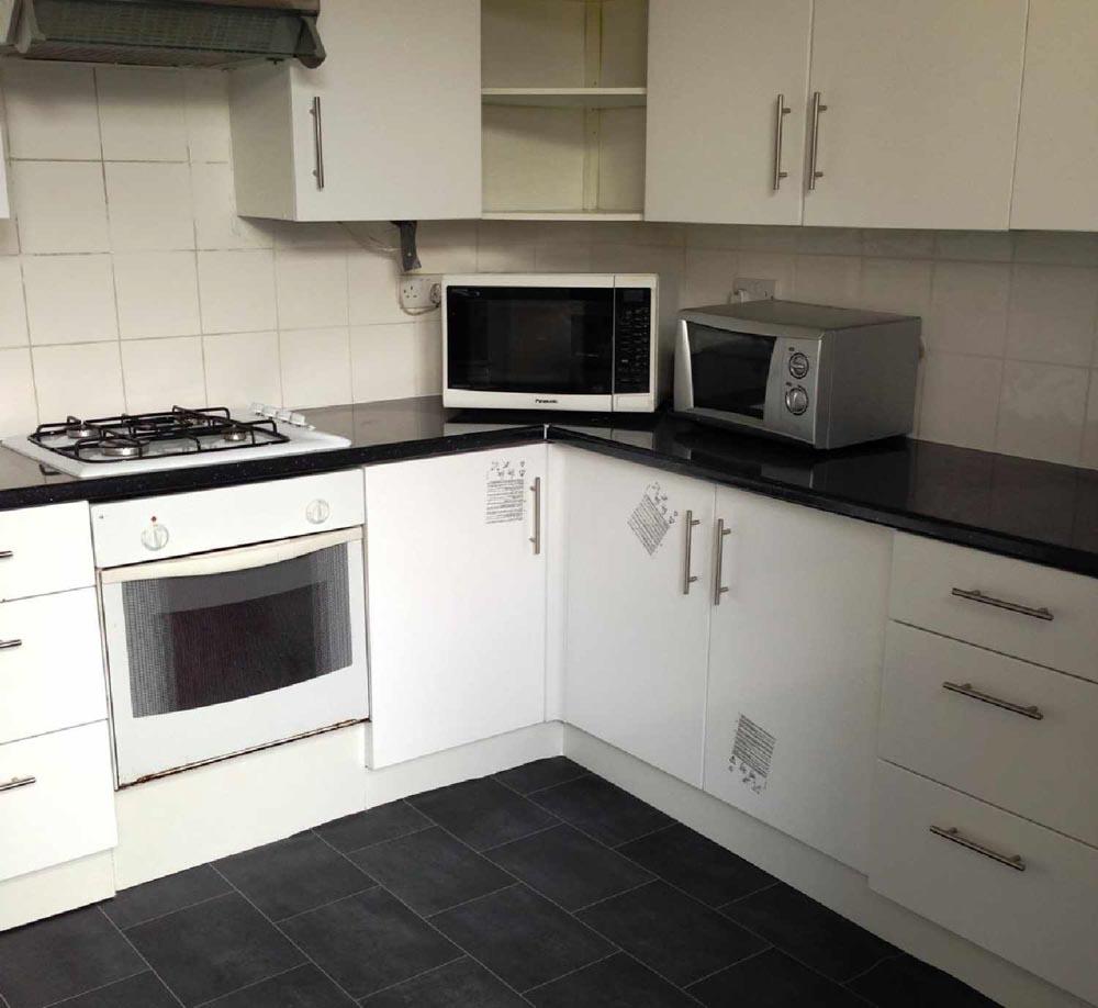 23-Bute-Avenue-Nottingham-Kitchen-Unilodgers
