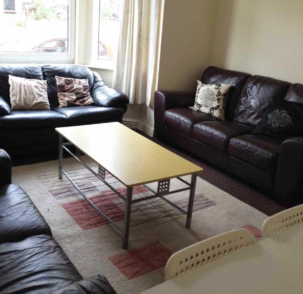 23-Bute-Avenue-Nottingham-Living-Area-Unilodgers