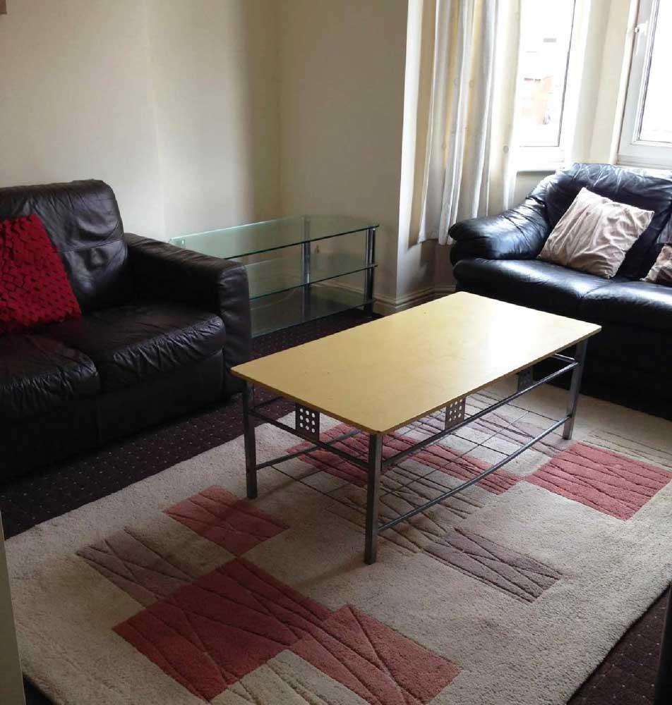 23-Bute-Avenue-Nottingham-Living-Area-2-Unilodgers
