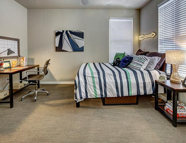U-Club-on-Woodward-Tallahassee-FL-Bedroom-Unilodgers