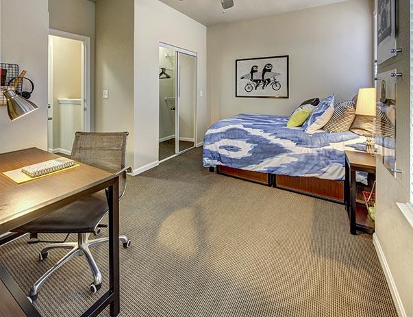 U-Club-on-Woodward-Tallahassee-FL-Bedroom-2-Unilodgers