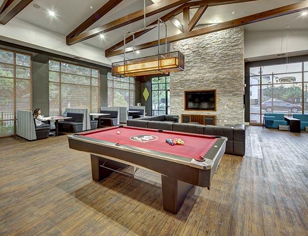 U-Club-on-Woodward-Tallahassee-FL-Pool-Table-Unilodgers