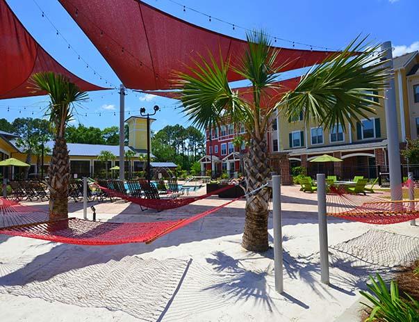 U-Club-on-Woodward-Tallahassee-FL-Hammock-Garden-Unilodgers