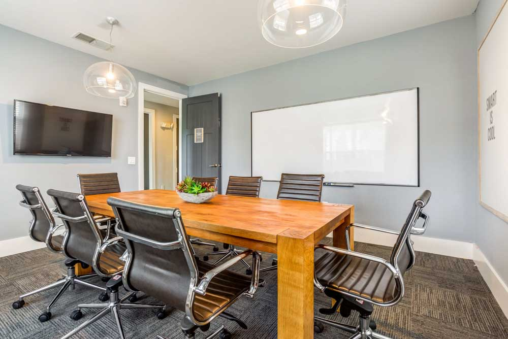 Lighthouse-Student-Living-Wilmington-NC-Conference-Room-Unilodgers