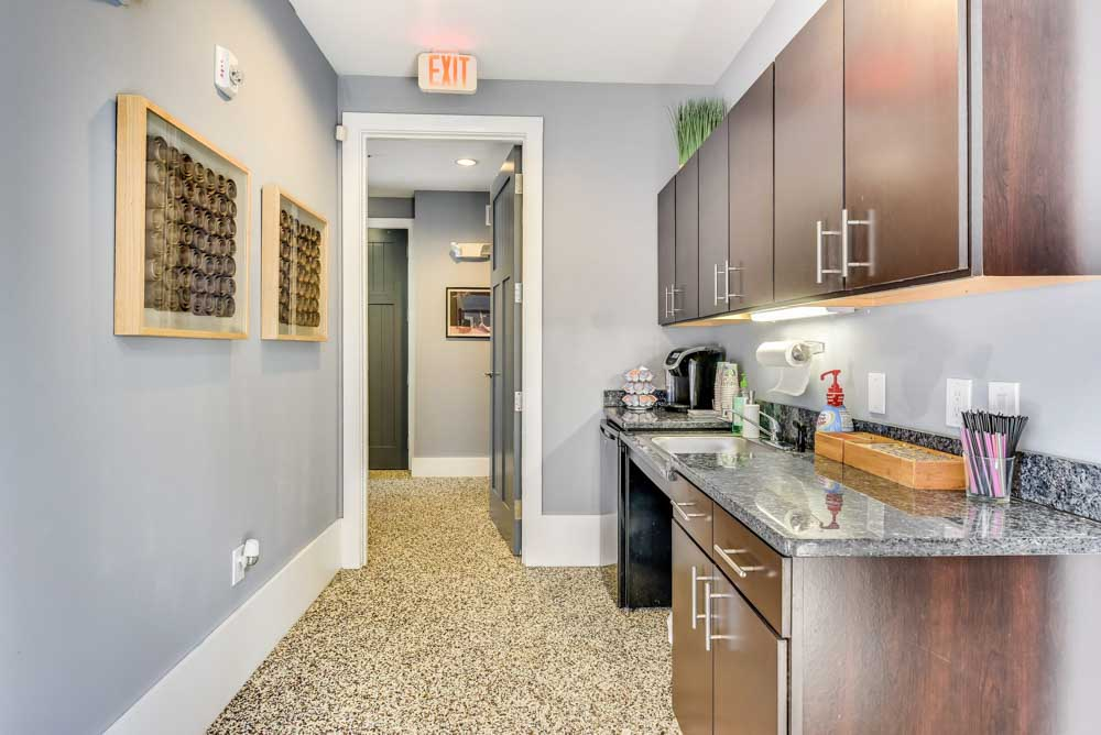 Lighthouse-Student-Living-Wilmington-NC-Kitchen-1-Unilodgers