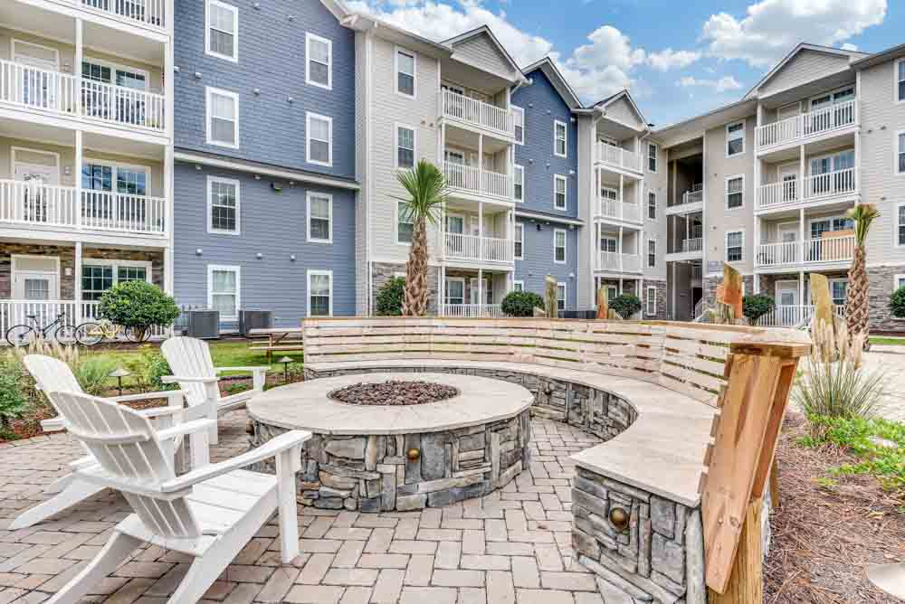 Lighthouse-Student-Living-Wilmington-NC-Exterior-Unilodgers
