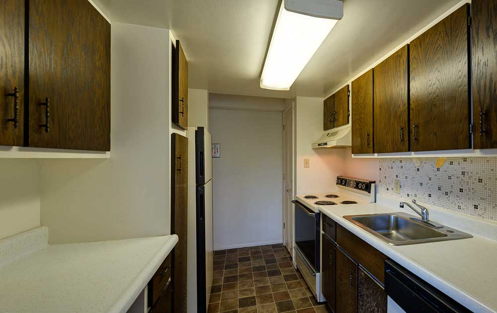 Parkway-Plaza-State-College-PA-Kitchen-Unilodgers