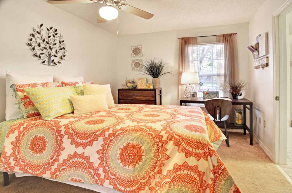 33-East-Greenville-NC-Bedroom-Unilodgers