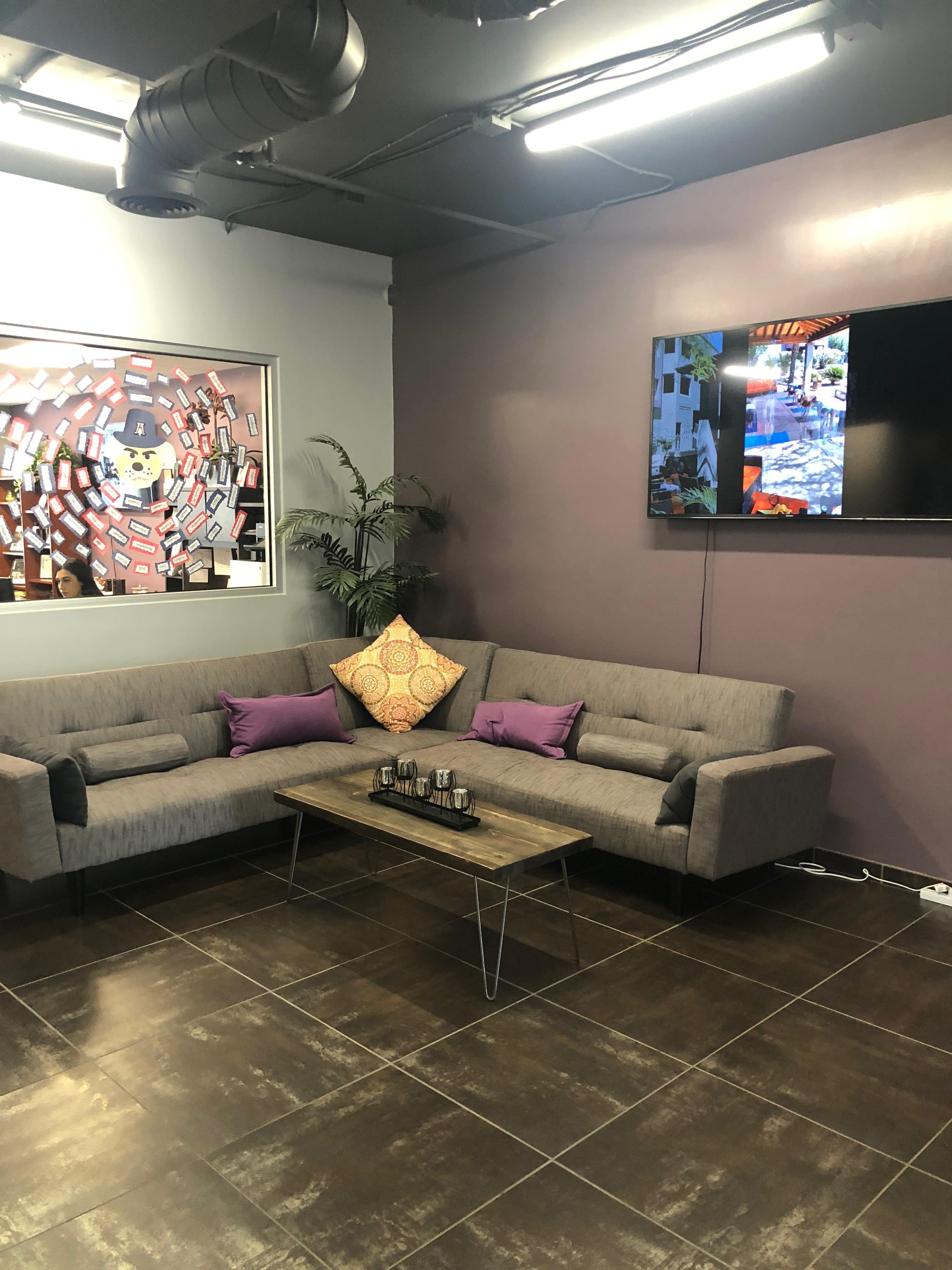 The-Stone-Avenue-Standard-Tucson-AZ-Living-Area-Unilodgers