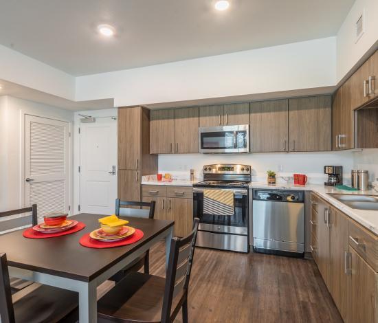 The-Vista-At-Turlock-CA-Kitchen-Unilodgers