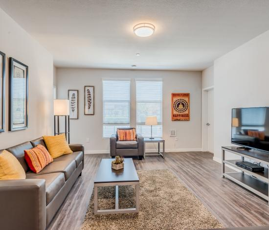 The-Vista-At-Turlock-CA-Living-Room-1-Unilodgers