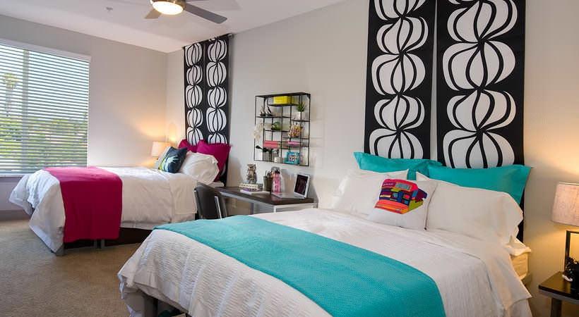 BLVD-63-San-Diego-CA-Bedroom-Unilodgers