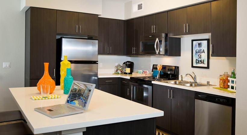 BLVD-63-San-Diego-CA-Kitchen-Unilodgers